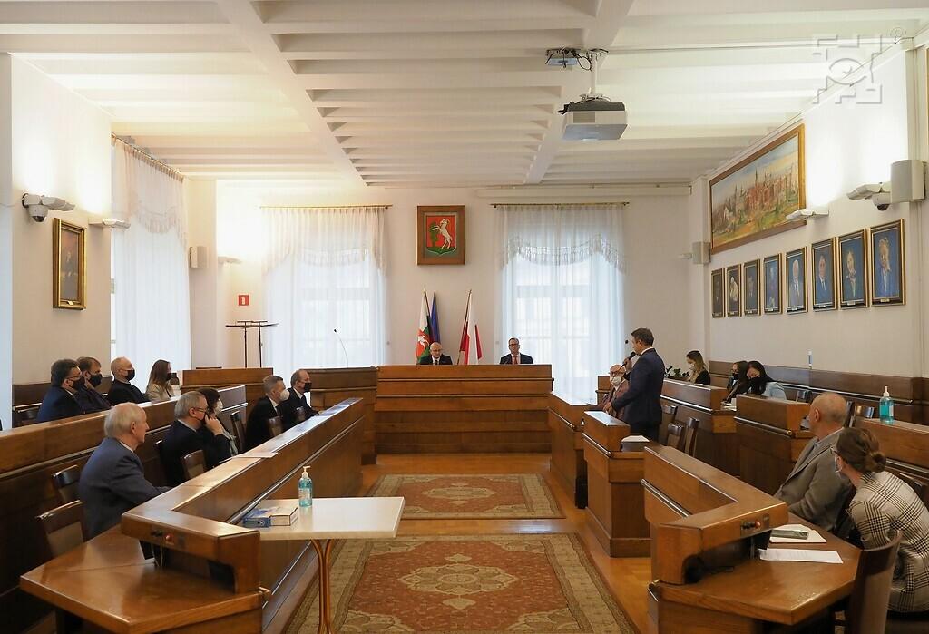 Pierwsze posiedzenie Pierwsze posiedzenie Rady Innowacyjnego Rozwoju Społeczno-Gospodarczego Lublina, wsali sesyjnej wRatuszu.